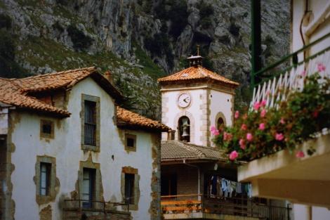 Mirones-kerk-1987