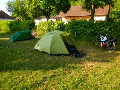 Op de camping in Vezelay