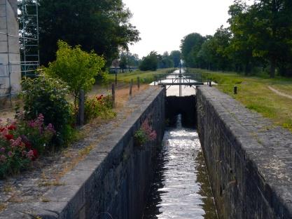 Sluisje-Canal-du-Berry